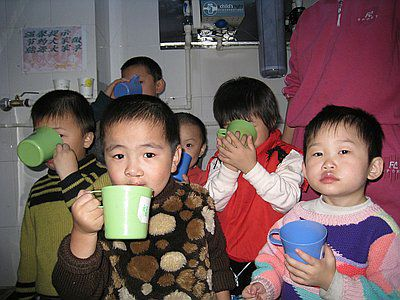 Water project voor migrant scholen - China